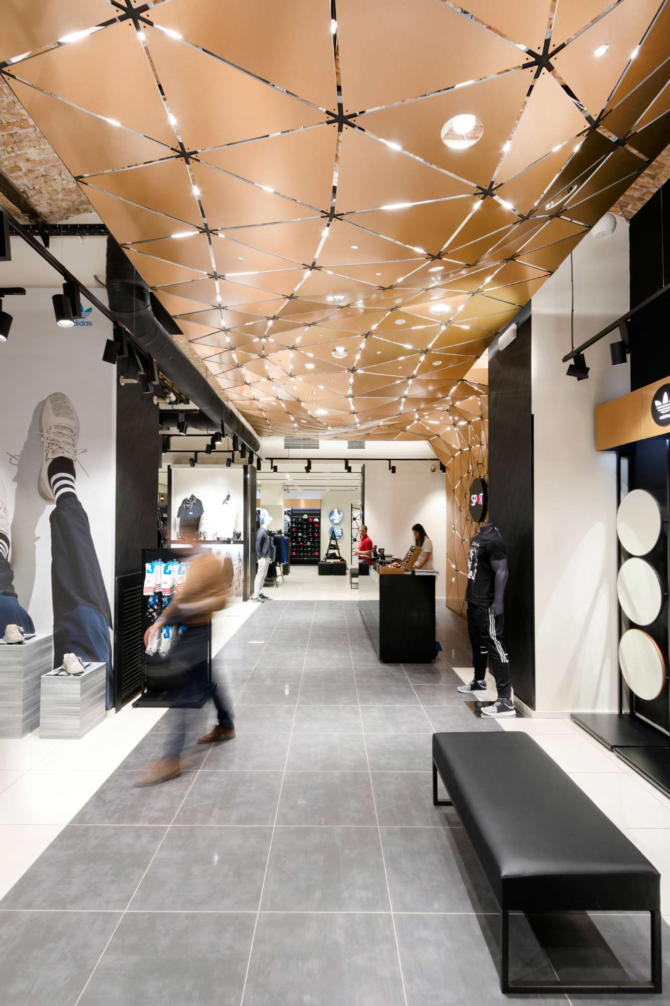 parametric design for Spot retail store 2